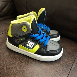 Toddlers DC sneakers size 7